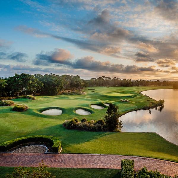 Hope Island Golf